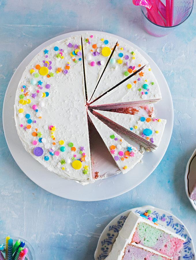 http://www.hungrygirlporvida.com/blog/2016/08/10/rainbow-marble-layer-cake/