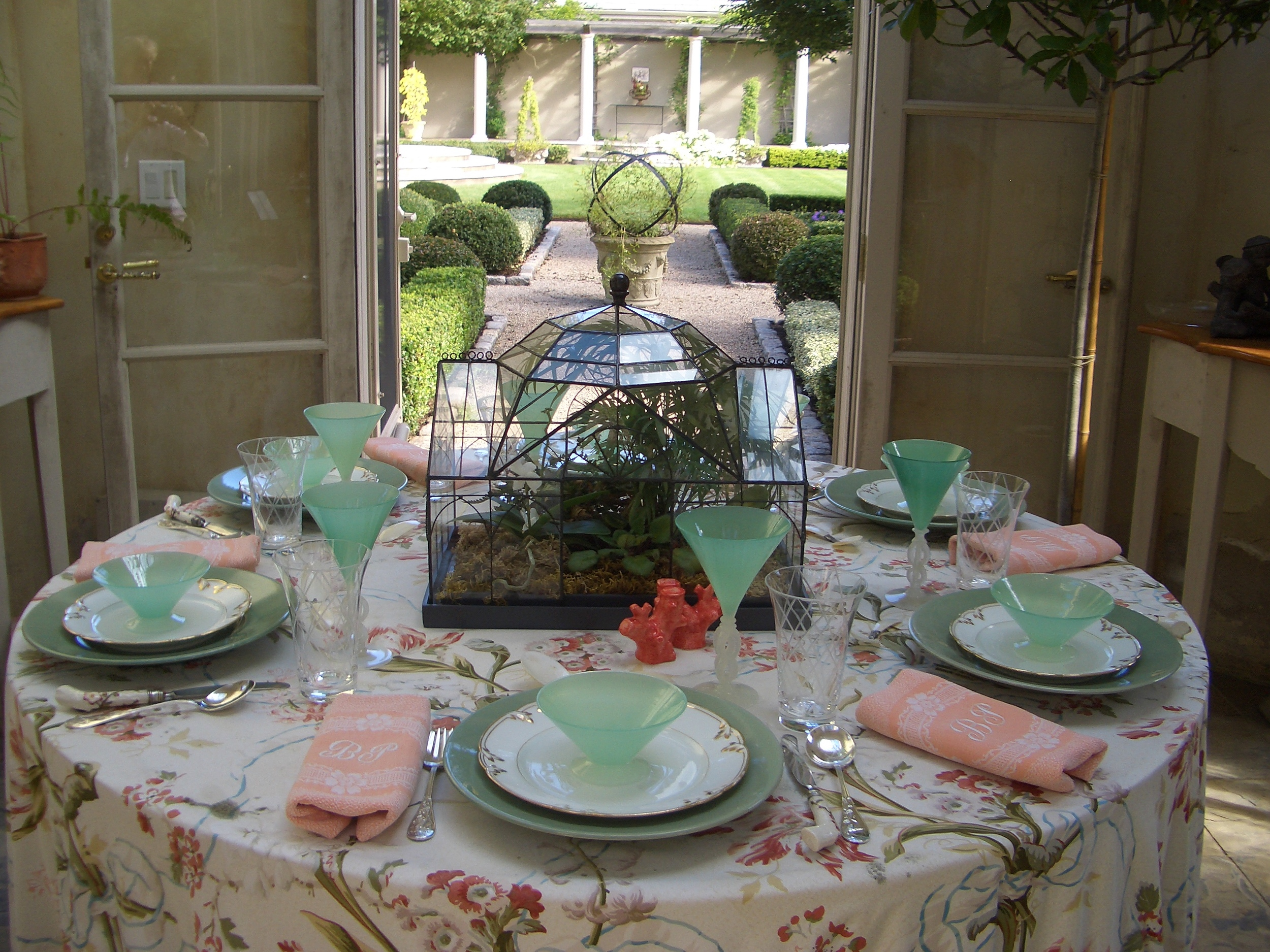 Lunch in the Garden. Image via Bettie Bearden Pardee