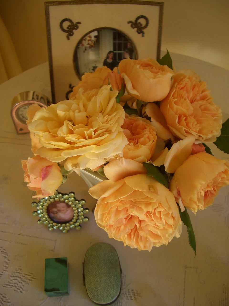Bedside table. Image via Bettie Bearden Pardee