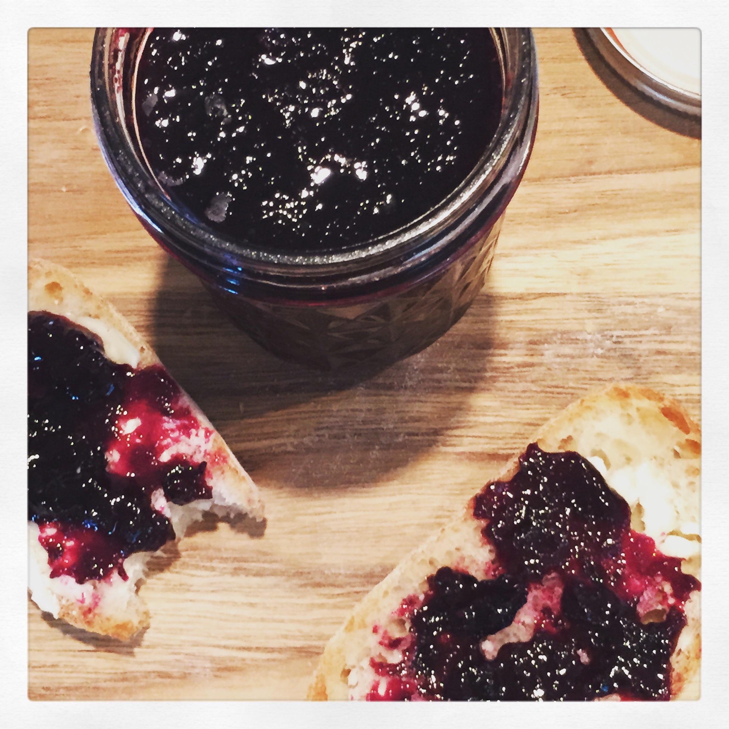 Homemade blueberry jam - easy as pie! Via The Entertaining House