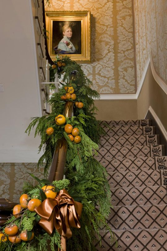 Decorating for the holidays naturally :: When a simple orange becomes anything but. The Entertaining House. Image property of  Traditional Home.