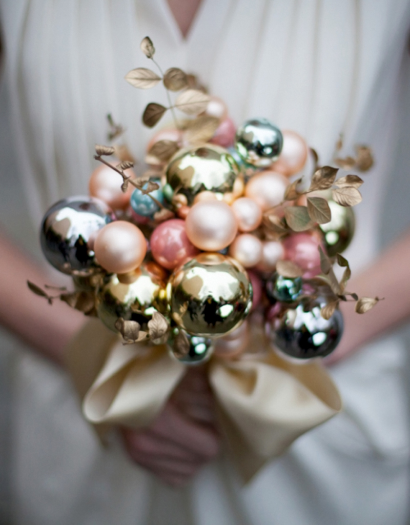 Decorating for the holidays :: Creative ways to use ornaments. The Entertaining House. Image via  The House that Lars Built