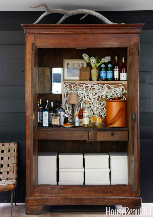 20 Stirring Ideas for Creating a Stunning at home Bar. Image House Beautiful