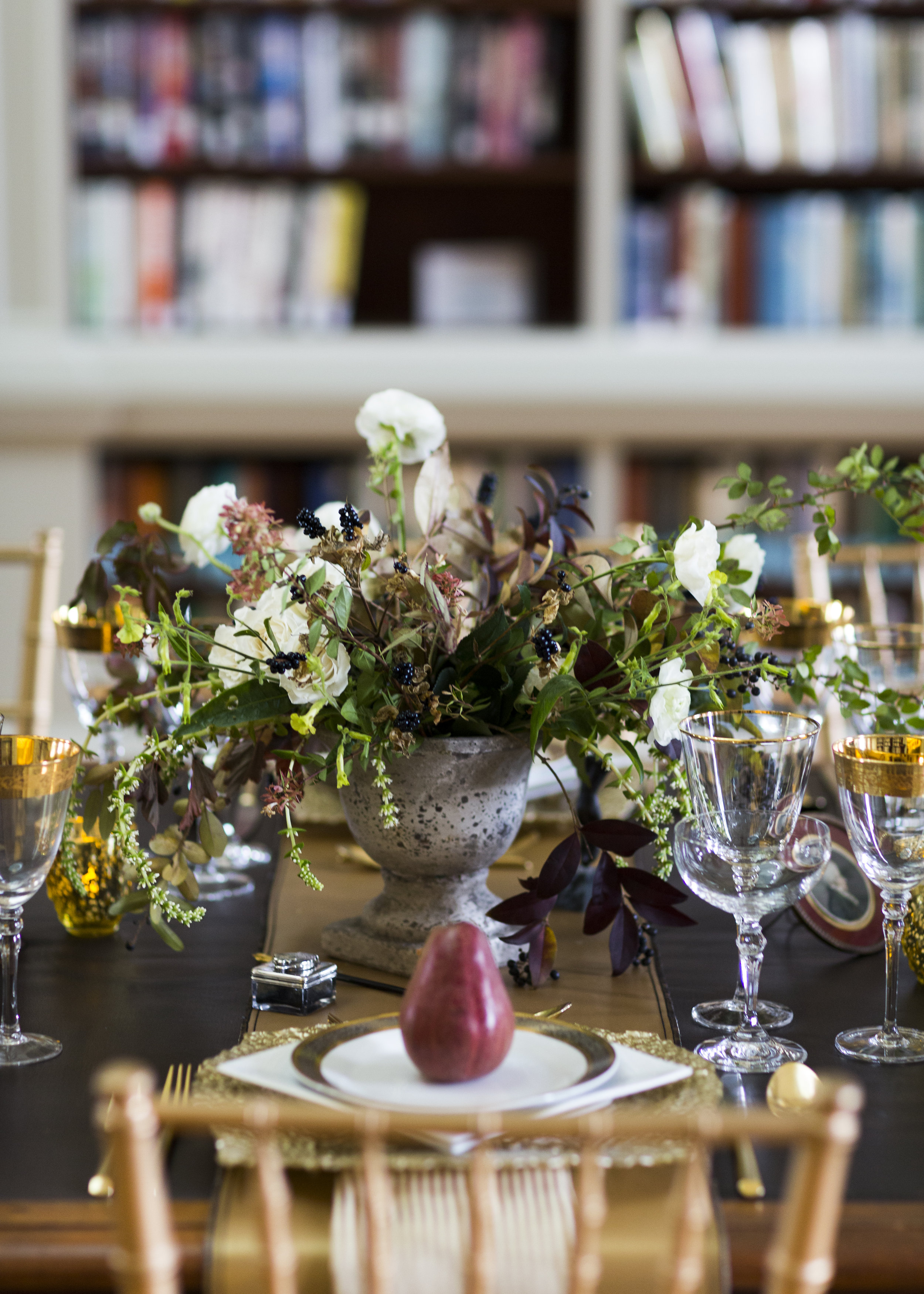 Books, Libraries and Weddings. Image courtesy of The Redwood Library and Athenaeum, Newport, RI and Molly Lo Photography