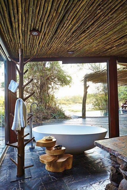 Soaking up nature :: 12 Stunning outdoor baths - Image via Conde Nast Traveler