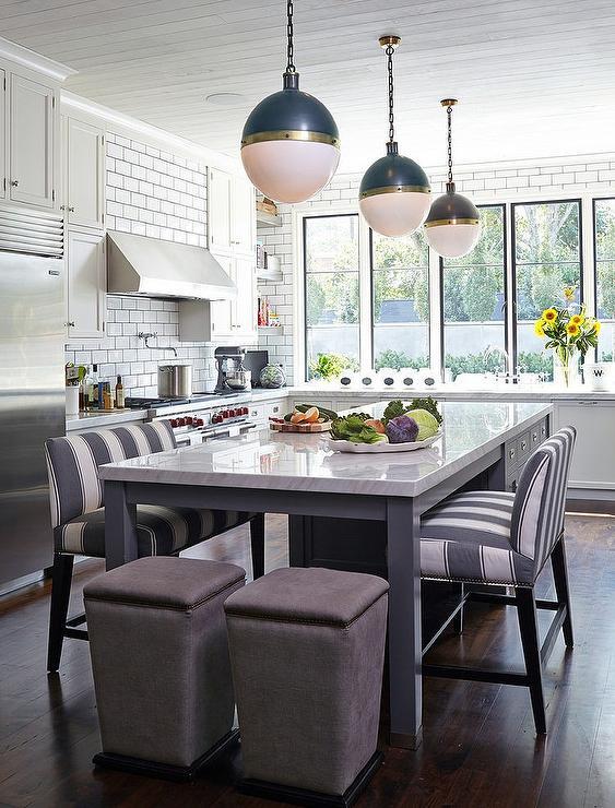 New England Style Kitchen. Image  via