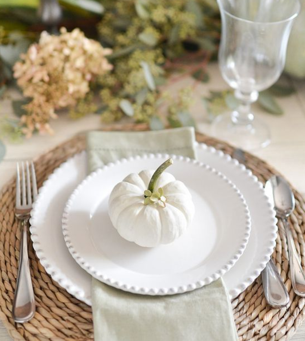 10 Ideas for Repurposing Pumpkins for the Thanksgiving Table