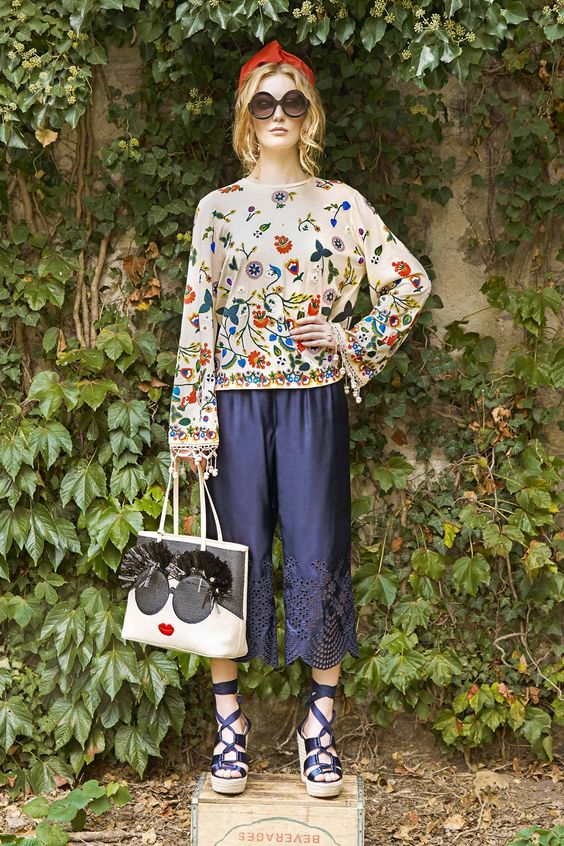 Floral Notes :: What to wear this spring. Image Alice + Olivia, Vogue