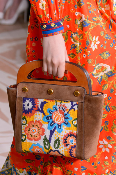 Floral Notes :: What to wear this spring. Image Tory Burch, Livingly