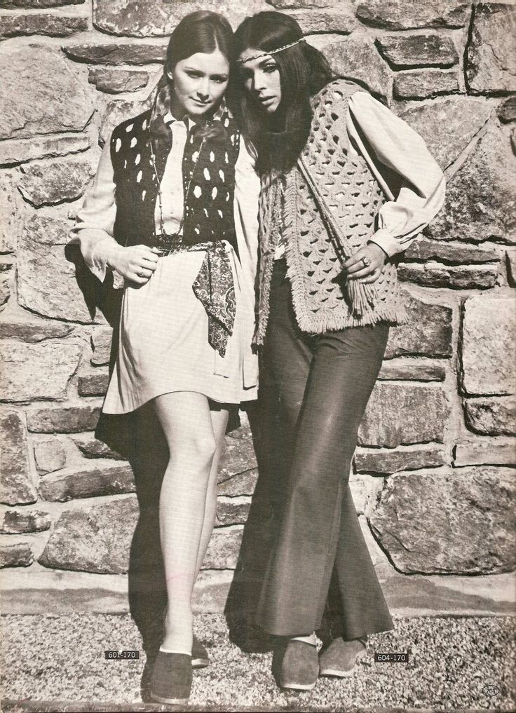 Were you a child, teen or young adult in the 1970s? Were clogs your most favorite shoe? Image via In the Gloss