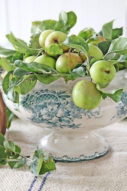 apples home decor .jpg