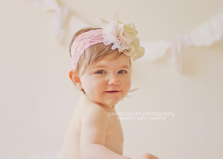cincinnati ohio baby photography studio madilyn 6 months 4.jpg