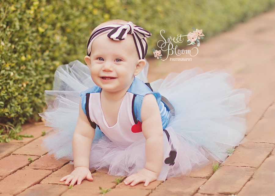 cincinnati ohio baby photography alice in wonderland session zooey 1st birthday 4.jpg