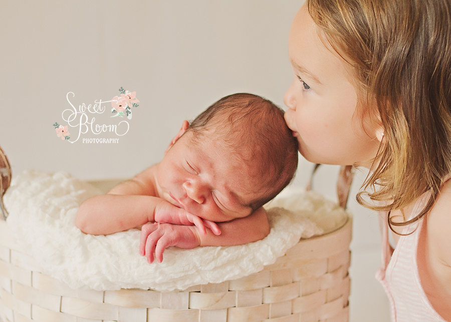 centerville ohio newborn photographer archer 1.jpg