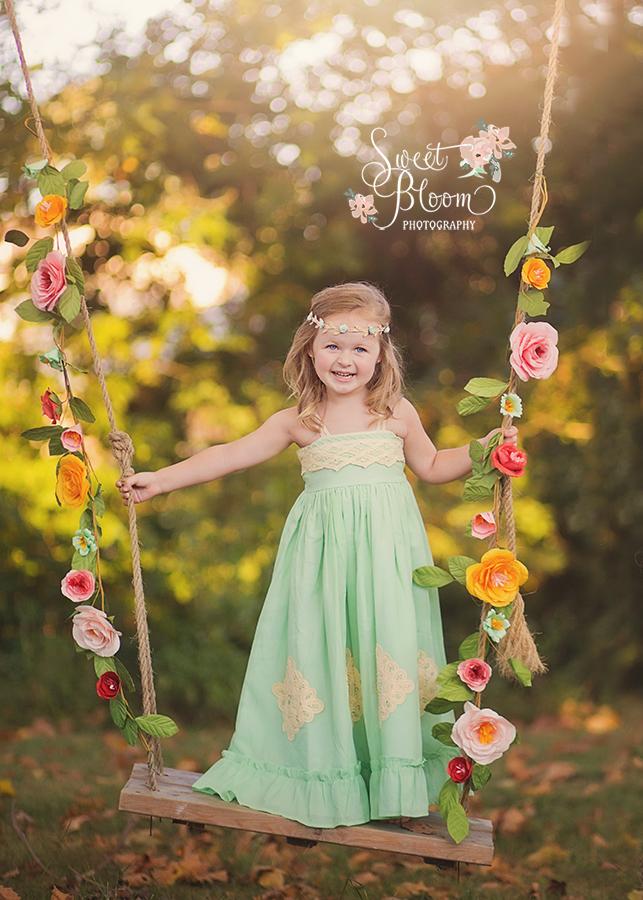 Dayton Ohio Child Photographer | Swing Session | Sweet Bloom Photography | www.sweetbloomphotography.com