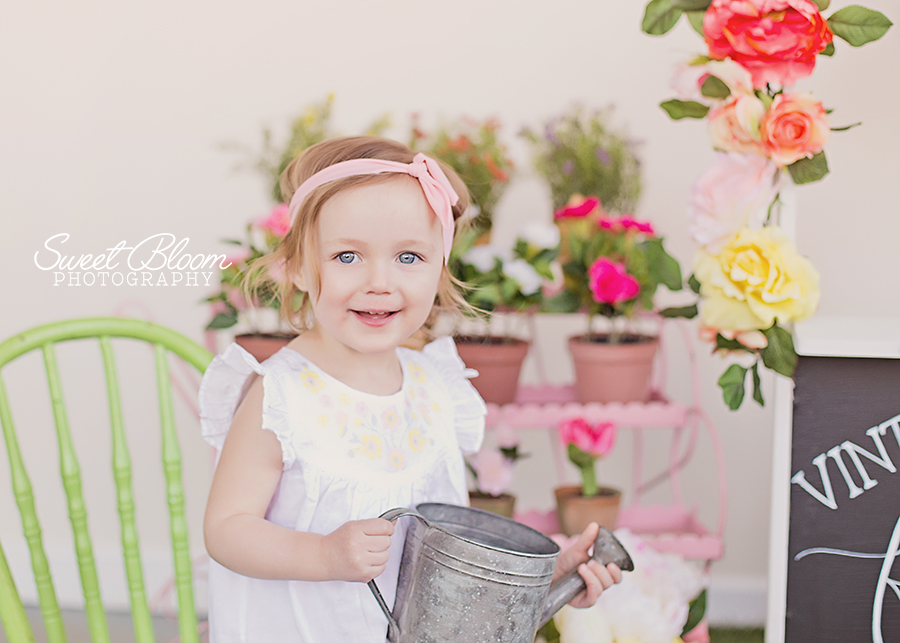 Dayton Oho Baby Photographer Spring Mini Sessions | Sweet Bloom Photography | www.sweetbloomphotography.com