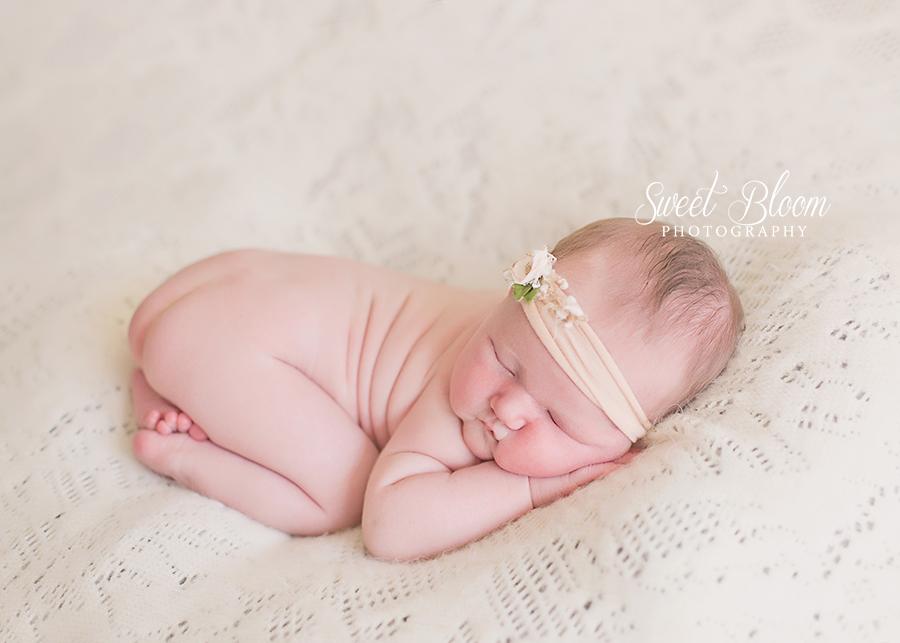 Springboro Ohio Newborn Photographer | Sweet Bloom Photography | www.sweetbloomphotography.com