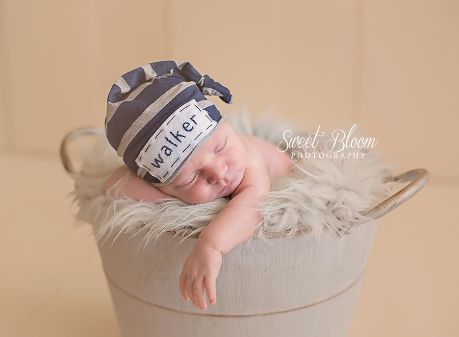Dayton Ohio Newborn Photography Session | Sweet Bloom Photography | www.sweetbloomphotography.com