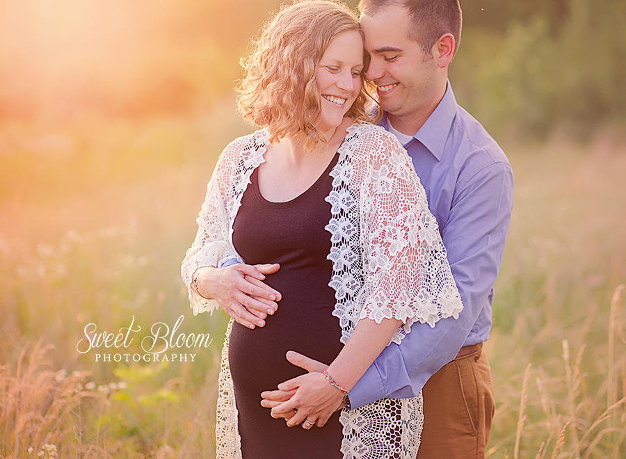 Dayton Ohio Maternity Photographer | Sweet Bloom Photography | www.sweetbloomphotography.com