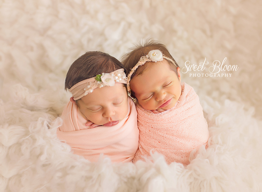 Dayton Ohio Twins Newborn Photography Session | Sweet Bloom Photography | www.sweetbloomphotography.com