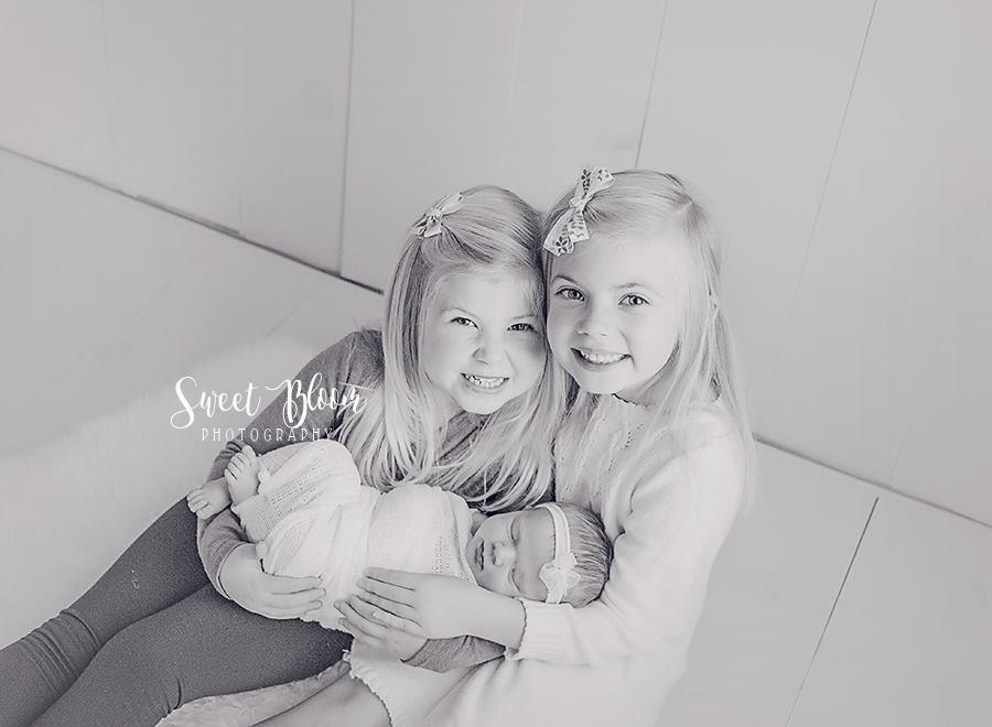 Dayton Ohio Newborn Photographer | Sweet Bloom Photography | www,sweetbloomphotography.com
