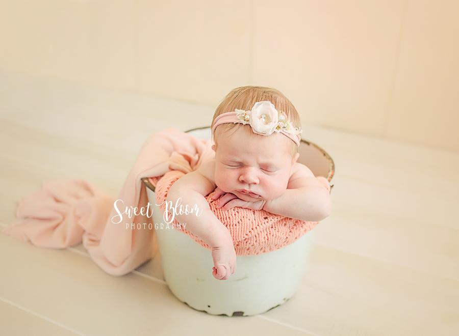 Dayton Ohio Newborn Photography Session   Sweet Bloom Photography   www.sweetbloomphotography.com