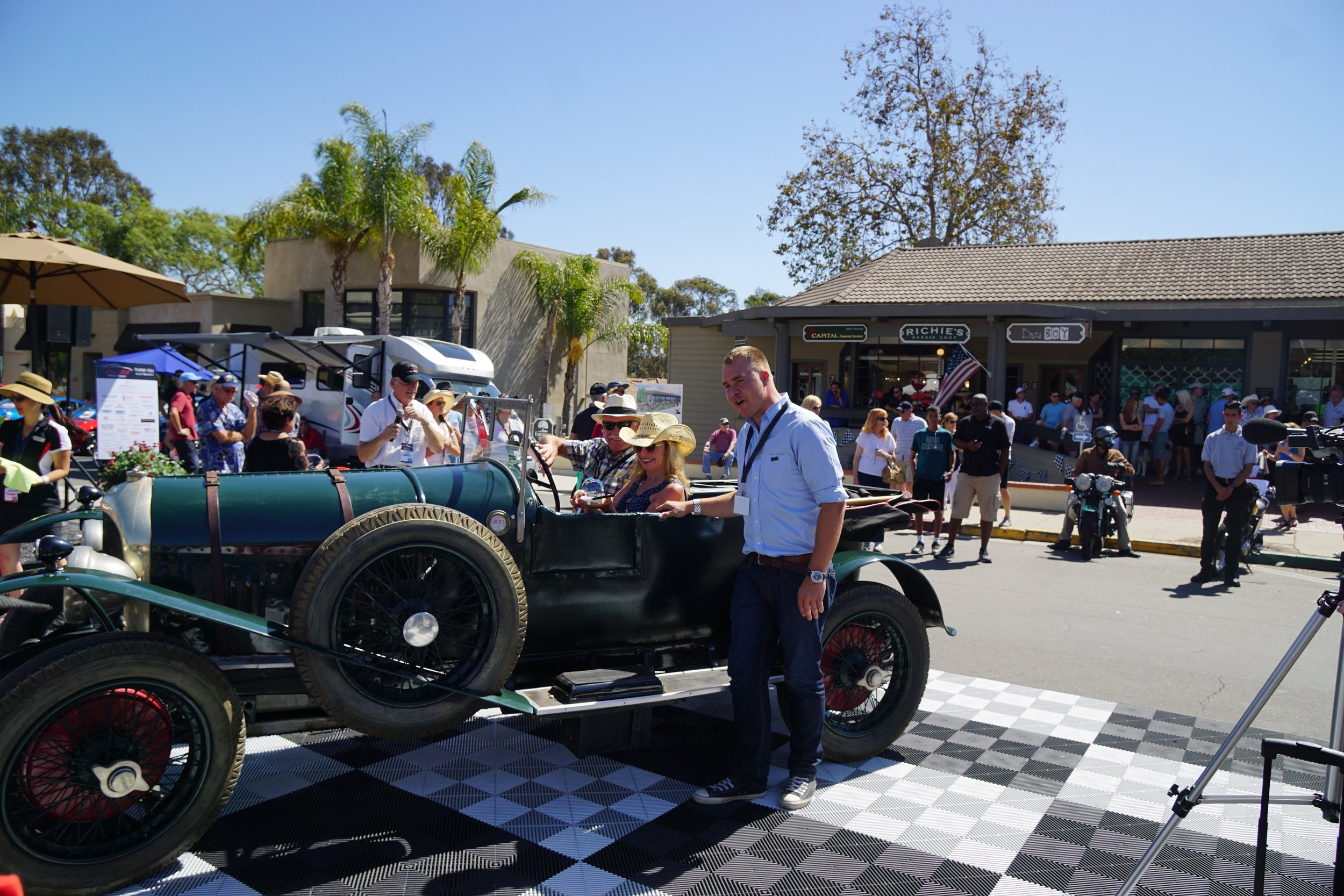 Foreign 2nd Place Pre-War     1925 Bentley Sport Touring – Candy Lyon