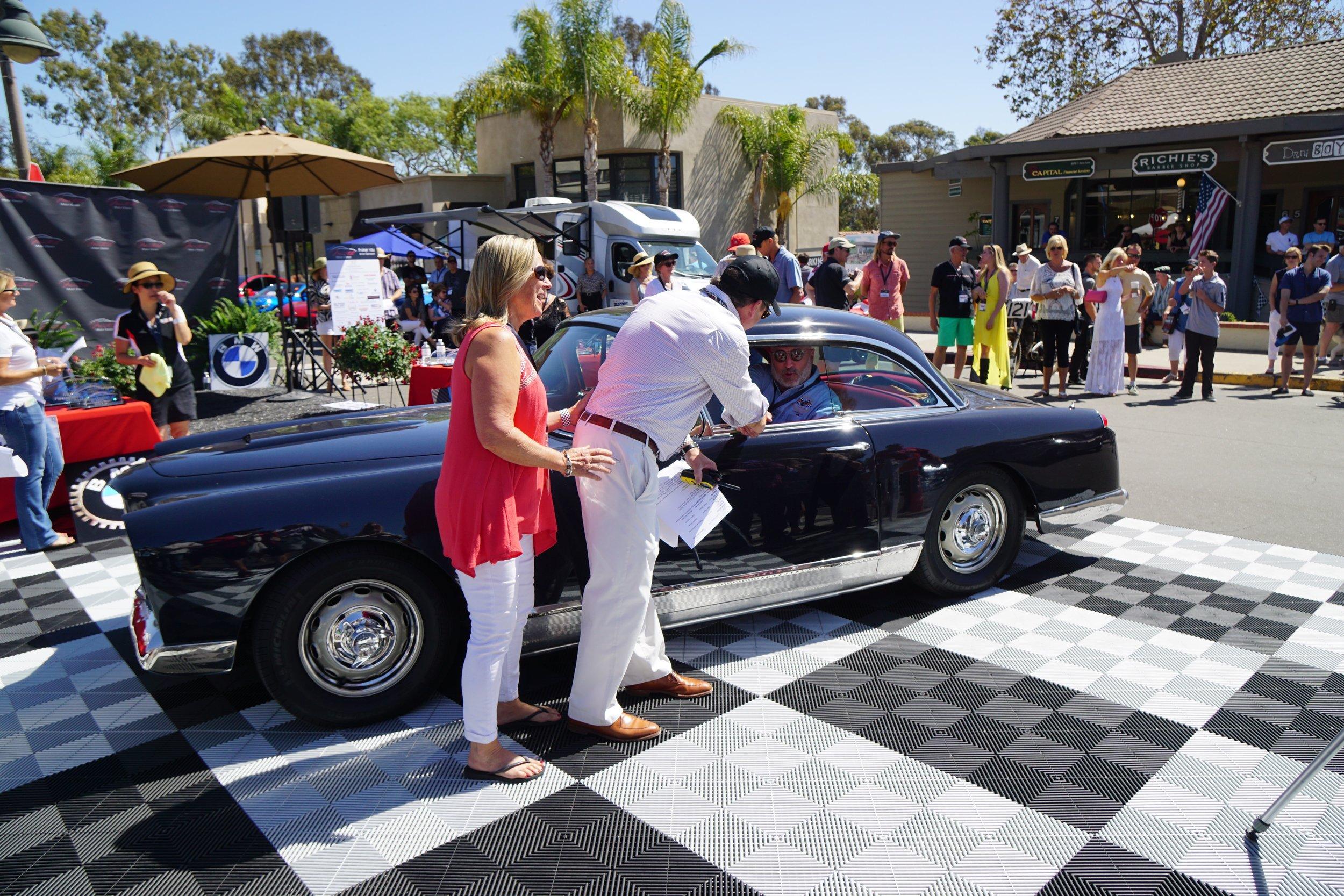 2nd Place Post-War     1961 Facel Vega HR 500 – Janet & Raphael Bertolous