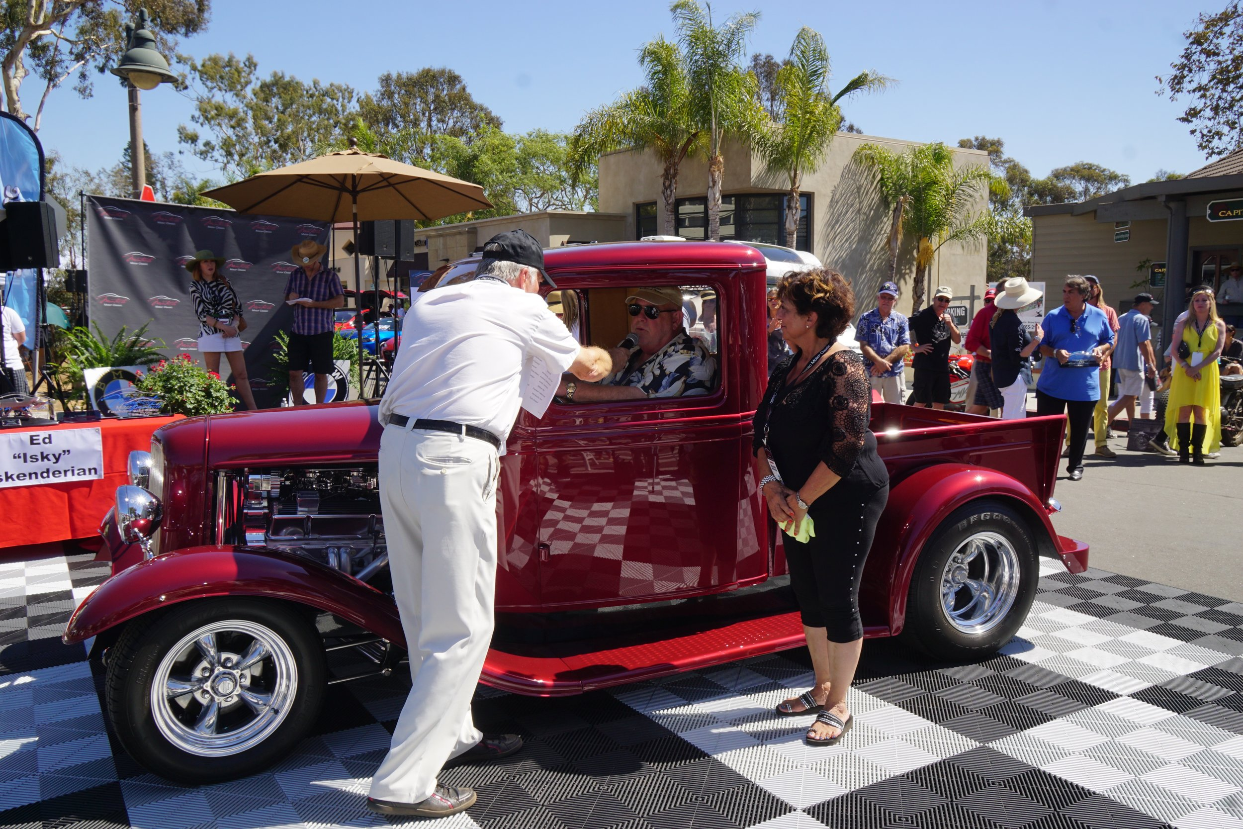 Hot Rod & Custom  2nd Place     1934 Ford Pickup – Mike Green