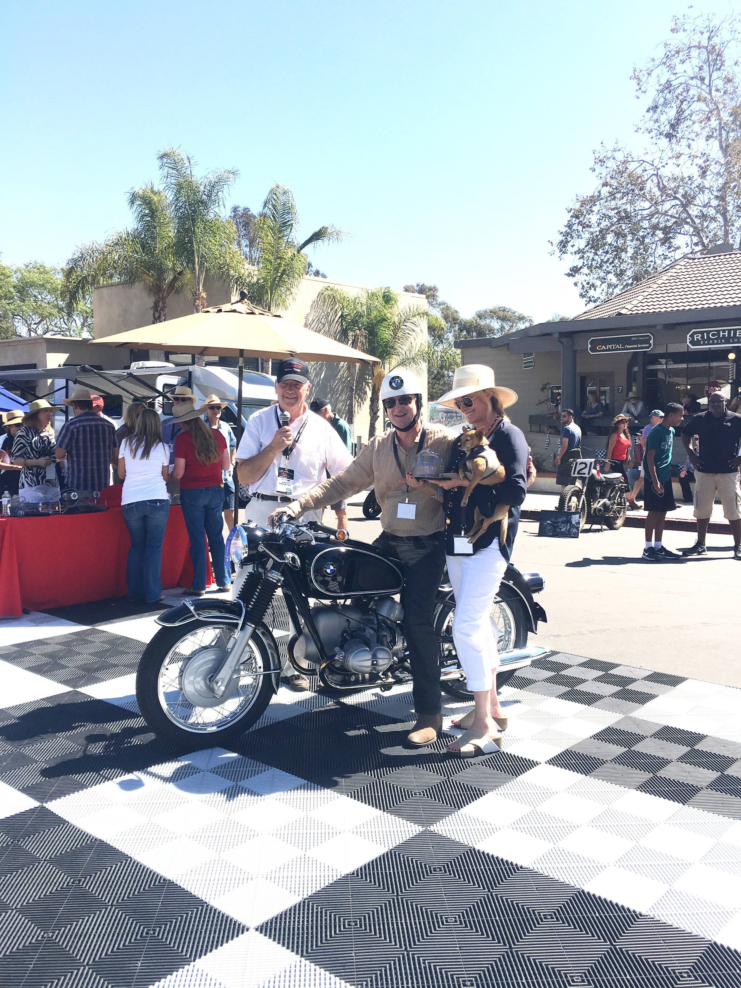 Motorcycles -       BMW Class      1st Place      1968 BMW Rb9us – Eugene Garlin