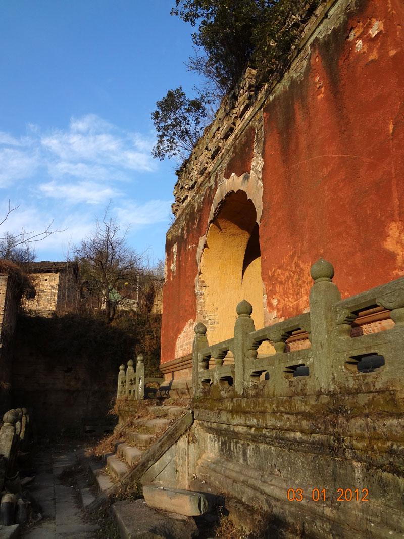 life-in-5-dragon-temple-10