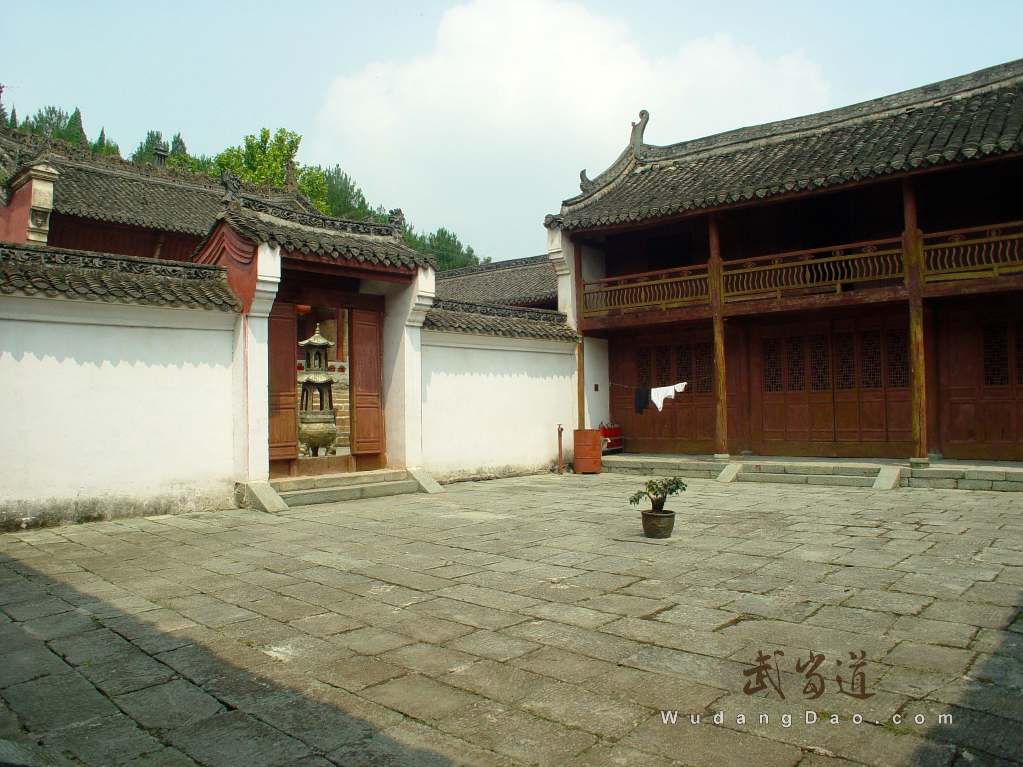 Wudang-Grind-Needle-Temple3.jpg