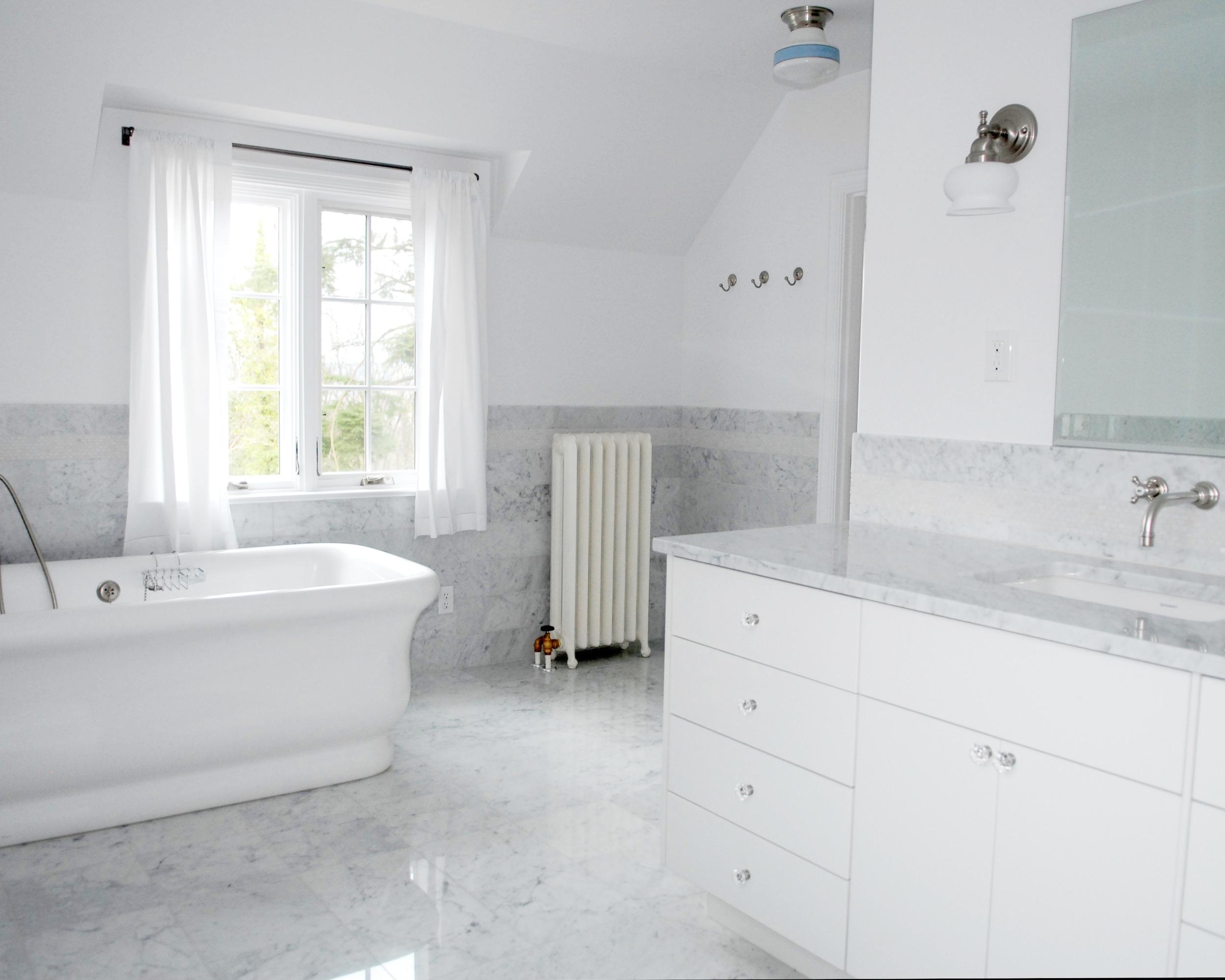 moo Kinser 2 bathroom_5.jpeg