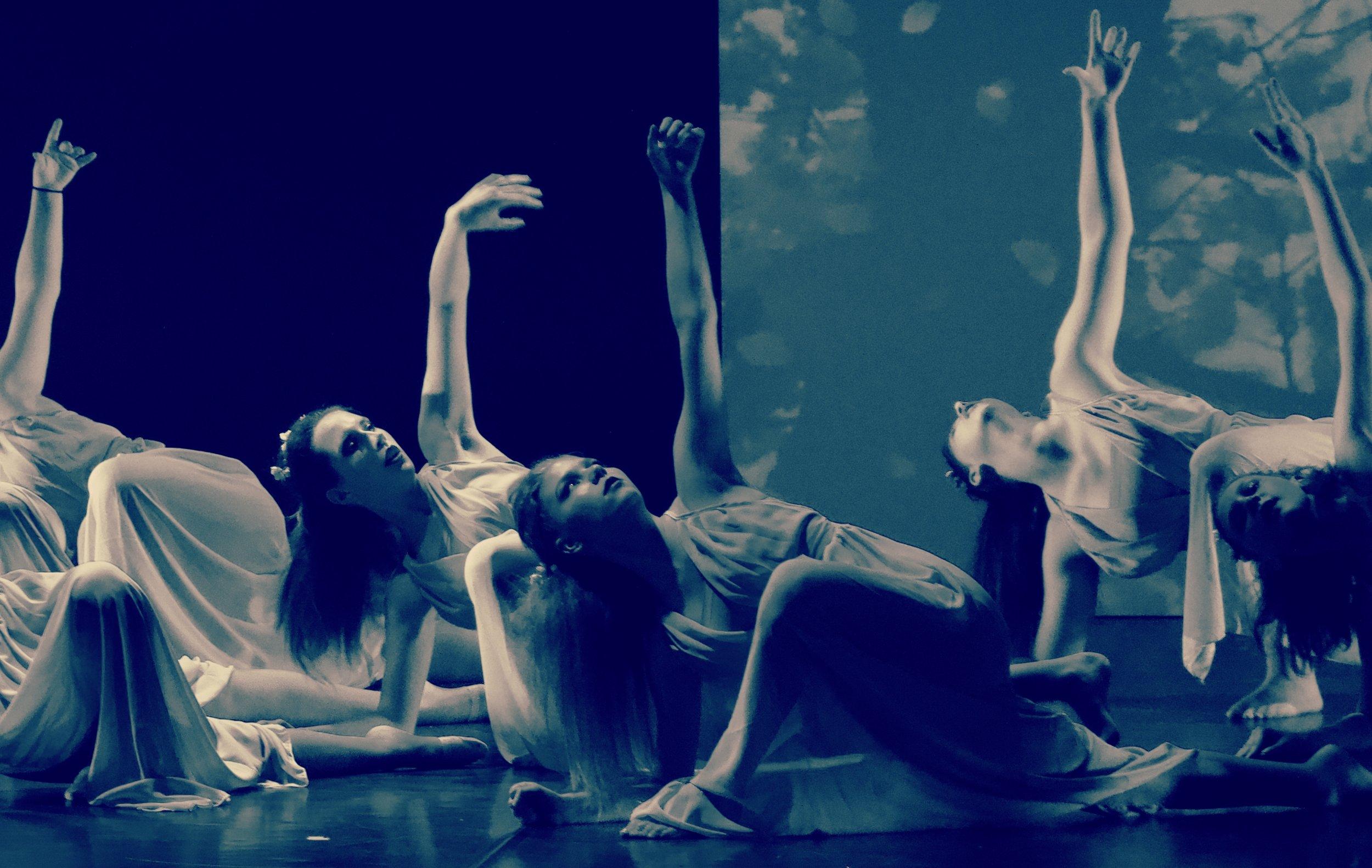 CORSI - JAZZ DANCE - HIP HOP - DANZA CLASSICA - VIDEO DANCE - HEELS - LYRICAL JAZZ - BROADWAY DANCE