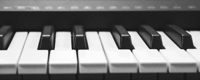 rockinrobbies-keyboard-pianos.jpg