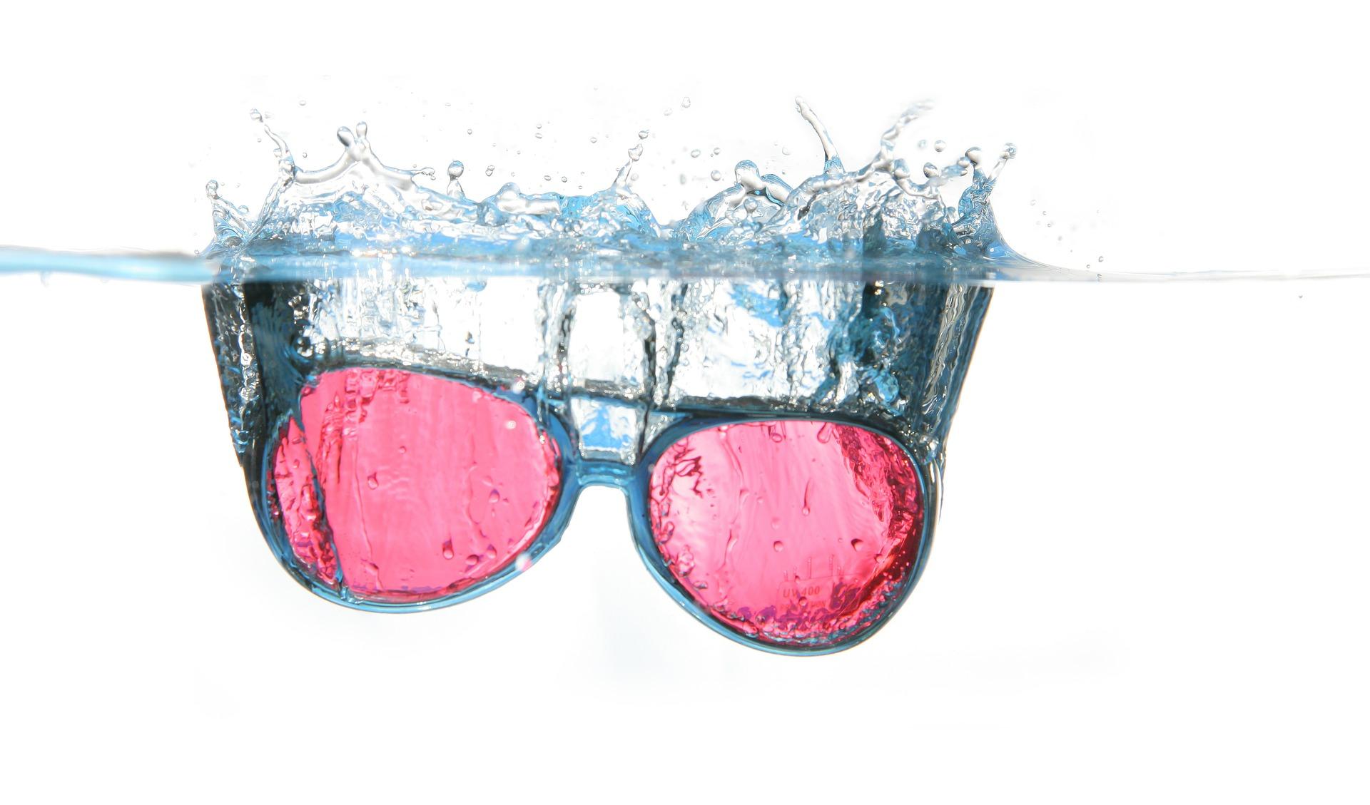 glasses-357126_1920.jpg
