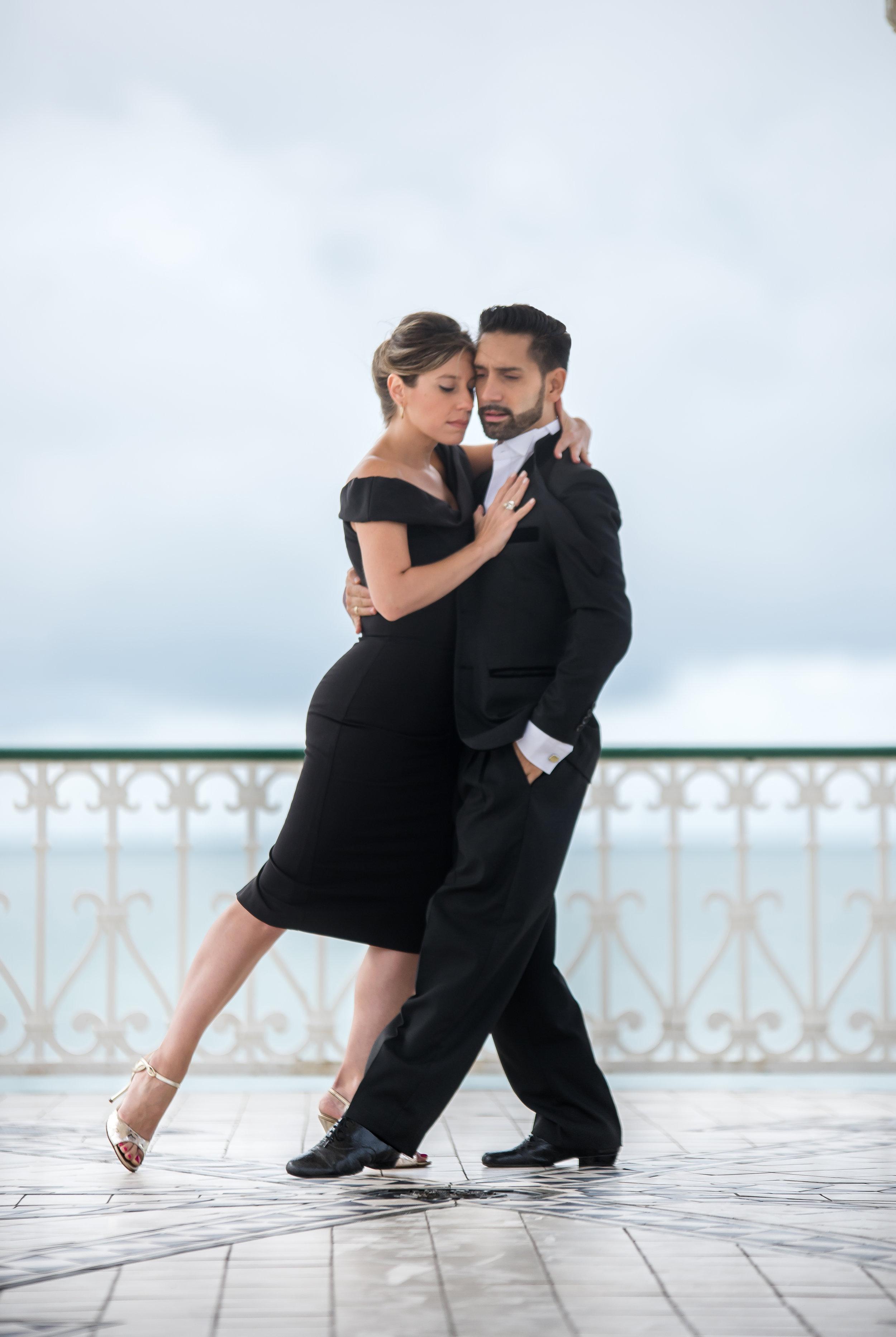 Stefania and Juan start to dance