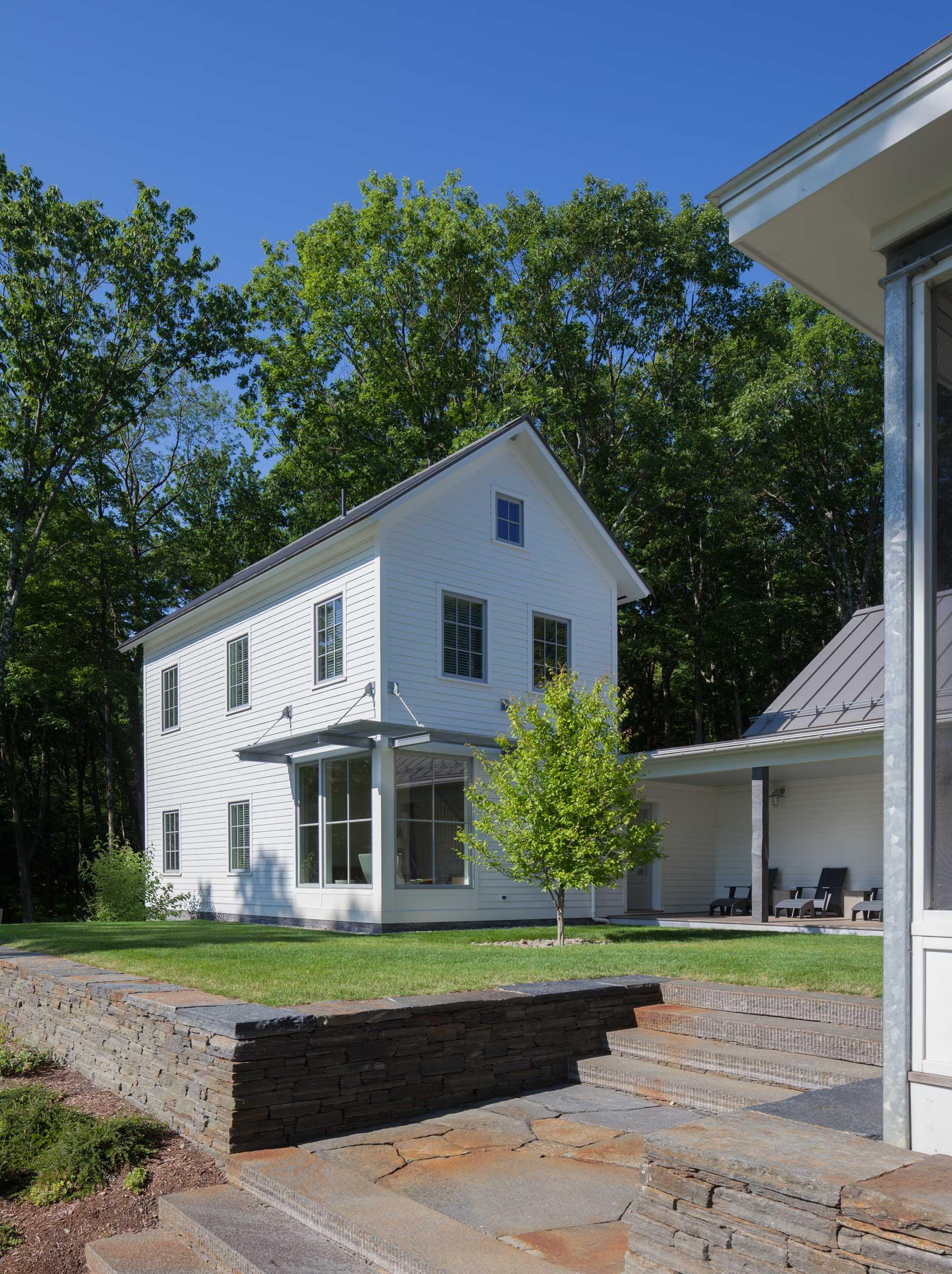 guesthouse_exterior_.jpg