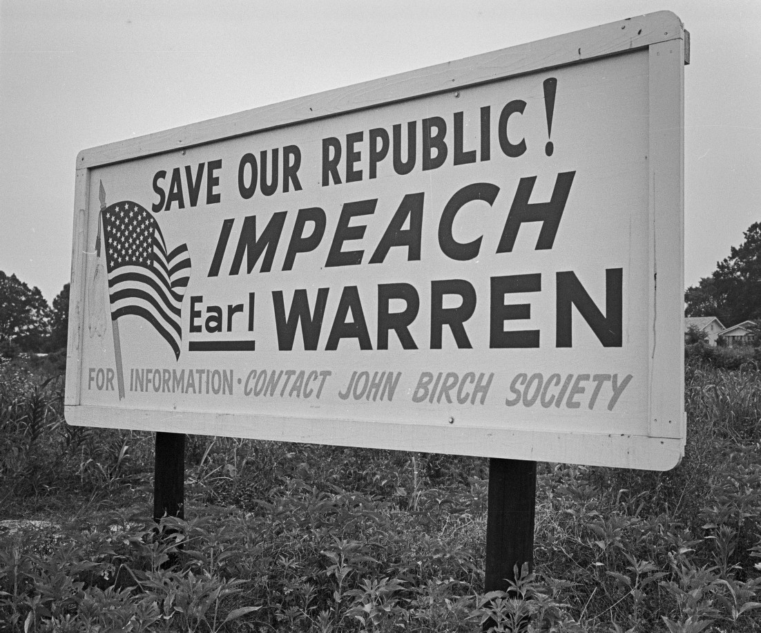 Impeach Warren Blbrd.jpg