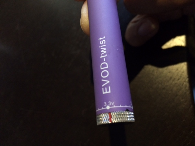 Close-up of the variable voltage setting on the EVOD-twist battery.