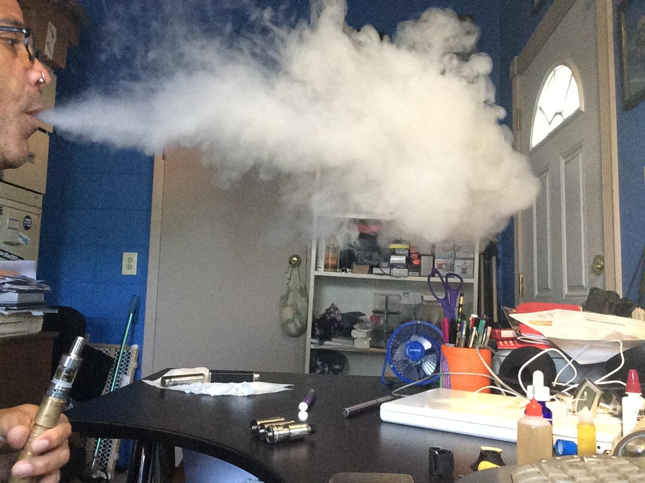 Chucking a cloud with the Aspire Atlantis sub-ohm atomizer.