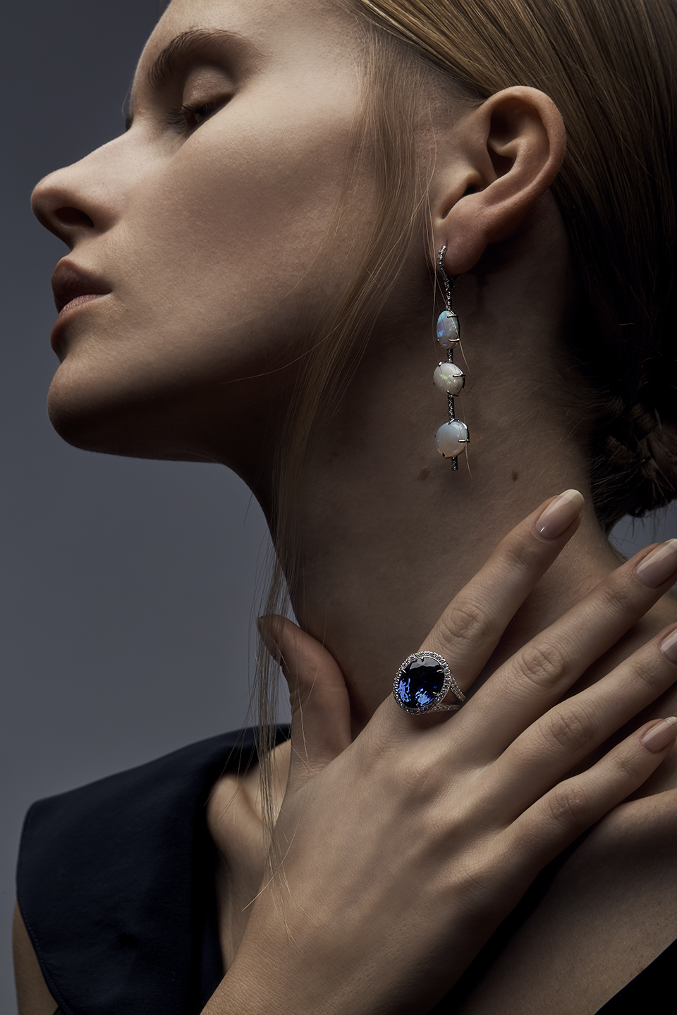 CLO EARRINGS   18K GOLD 0.52 CT OF DIAMONDS 10.16 CT OF OPALS      SARA RING   1.20 CT OF DIAMONDS 10.57 CT OF TANZANITE 0.8 CT OF PINK SAPPHIRES      Contact for inquiry