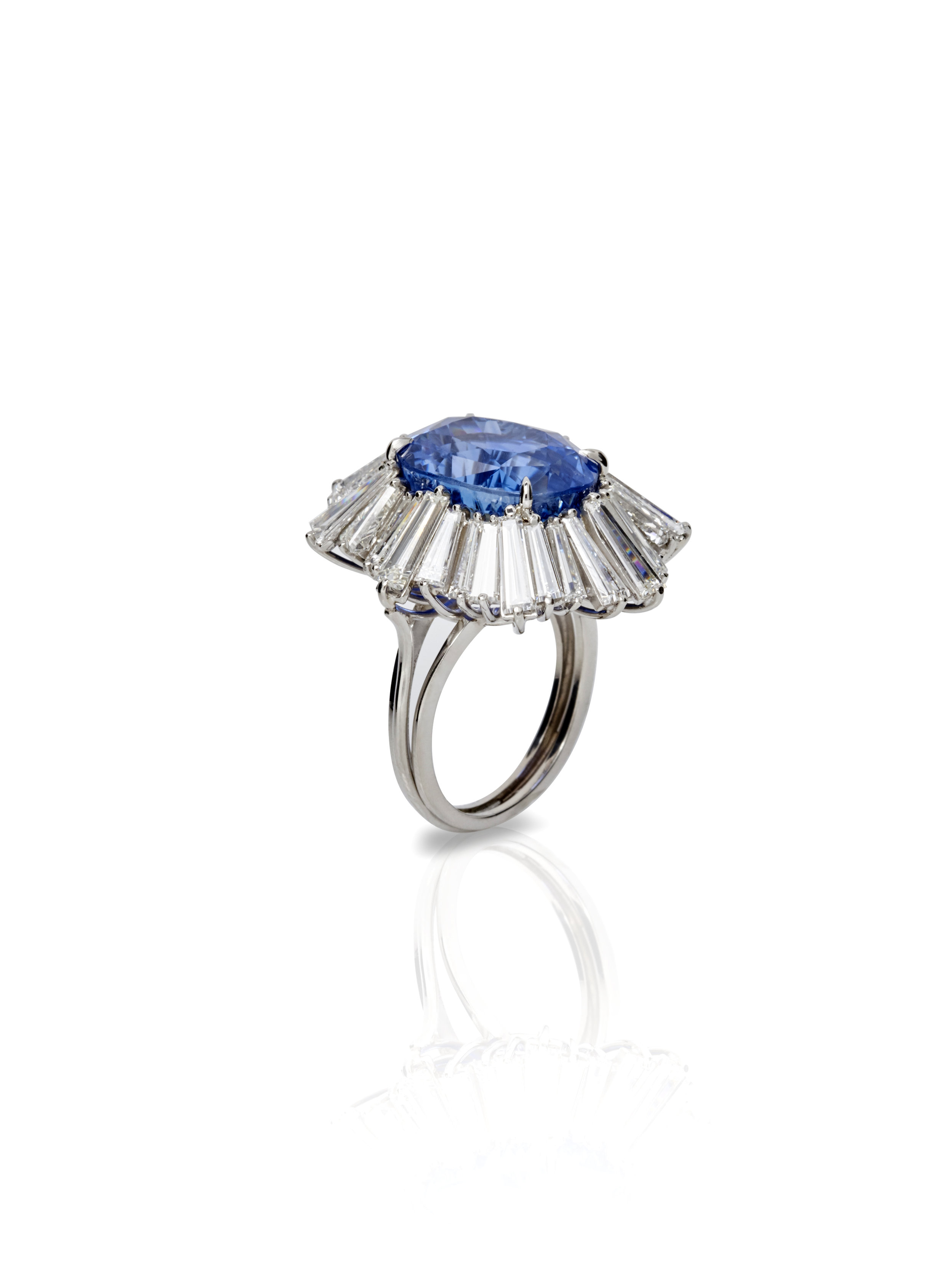 EYDIS SAPPHIRE RING   PLATINUM RING 8.0 CT OF DIAMONDS 19.75 CT OF SAPPHIRES      Contact for inquiry