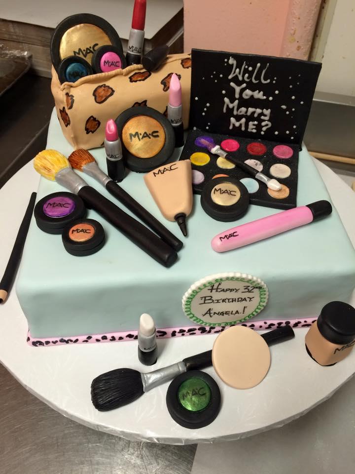 mac cake 3.jpg