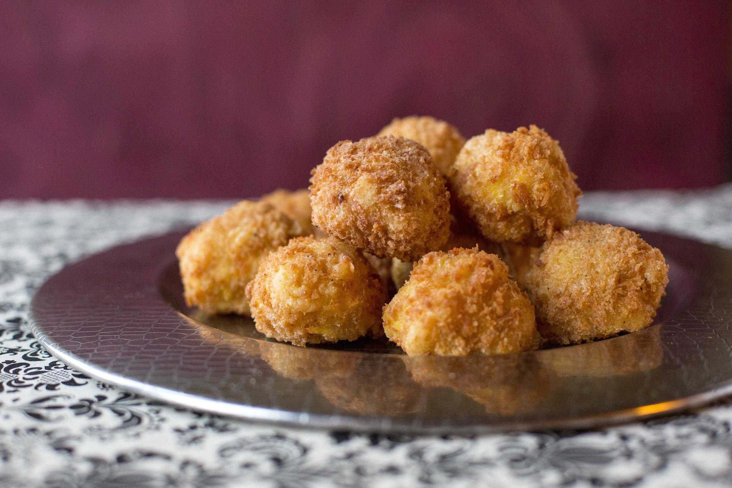 Artichoke Mac and Five Cheese bites