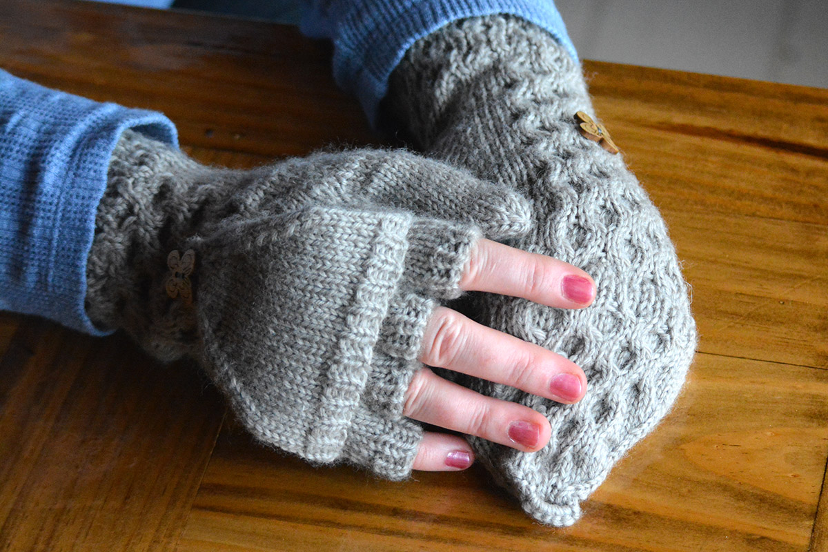 Flip-top fingerless mittens knitting pattern - any size