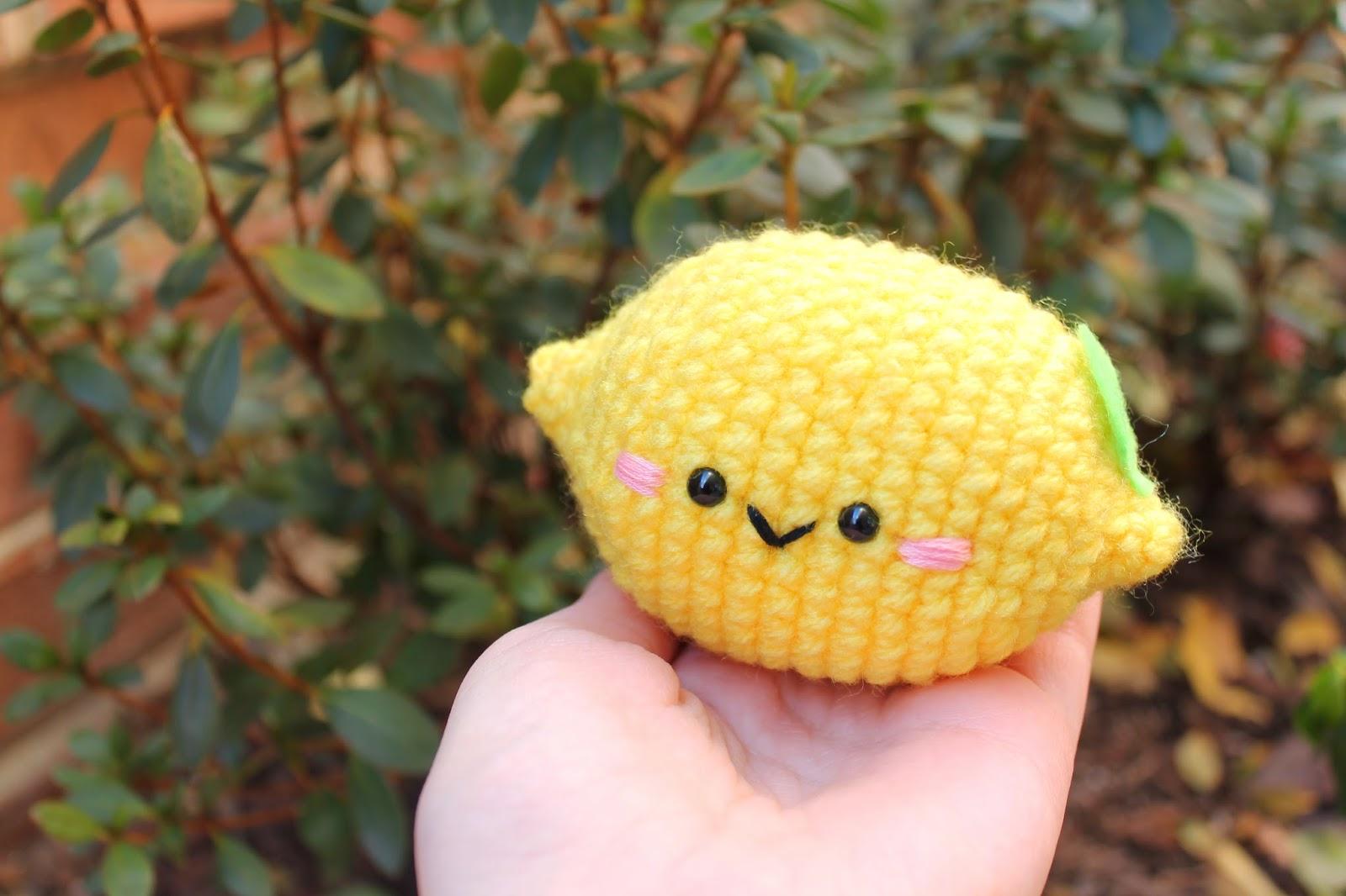 Free Amigurumi Crocheted Lemon Pattern on Amigurumifood.blogspot.ca.