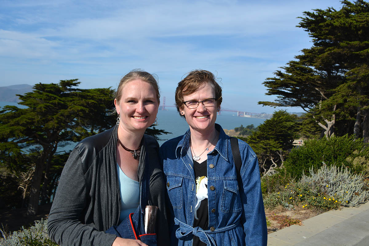 Talena and Katrin in front of the Golden Gate Bridge