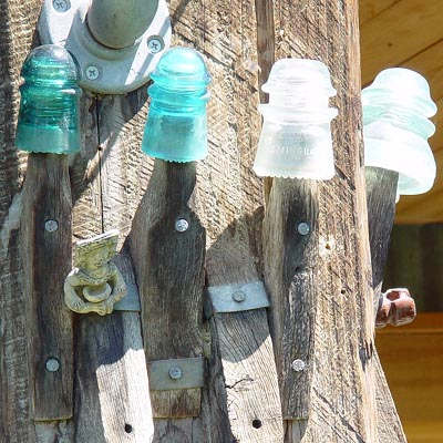 TOTEM POLE WITH GLASS INSULATOR ORNAMENTS