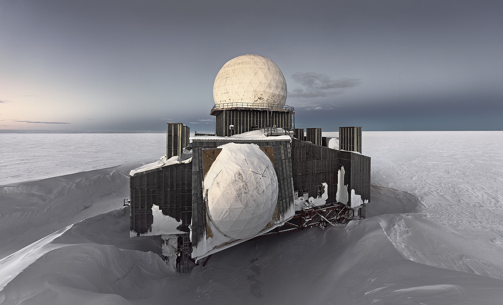 MURRAY FREDERICKS     DYE2 #1, abandoned missile detection station, Greenland Icesheet  2013 digital pigment print, edition of 7 100 x 165 cm